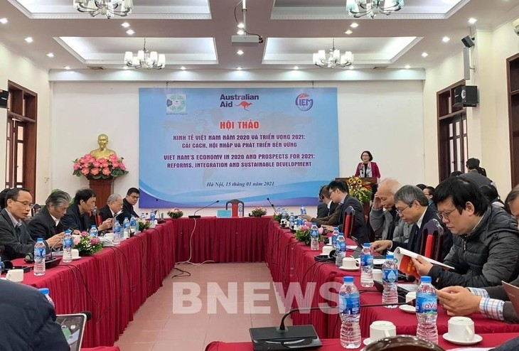 Economists forecast Vietnam's growth scenarios of 5.98% and 6.46% in 2021 - ảnh 1
