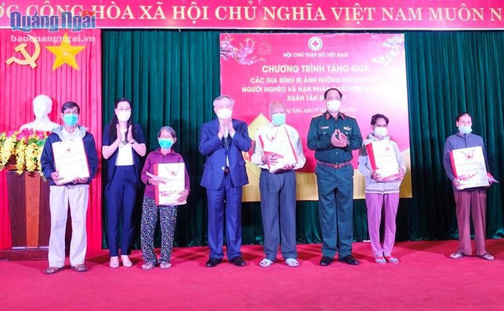 Party, State leaders pay Lunar New Year visits to Son La, Quang Ngai, HCM City - ảnh 2