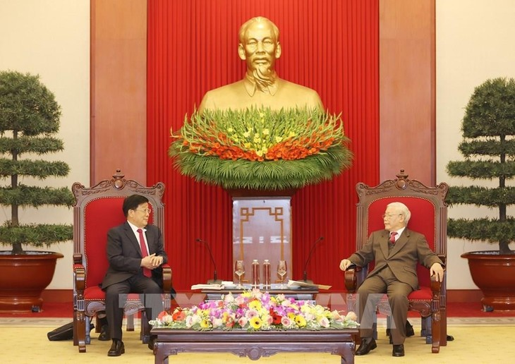 Vietnam constantly promotes healthy, stable relations with China  - ảnh 1