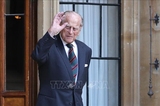 Britain's Prince Philip dies aged 99 - ảnh 1