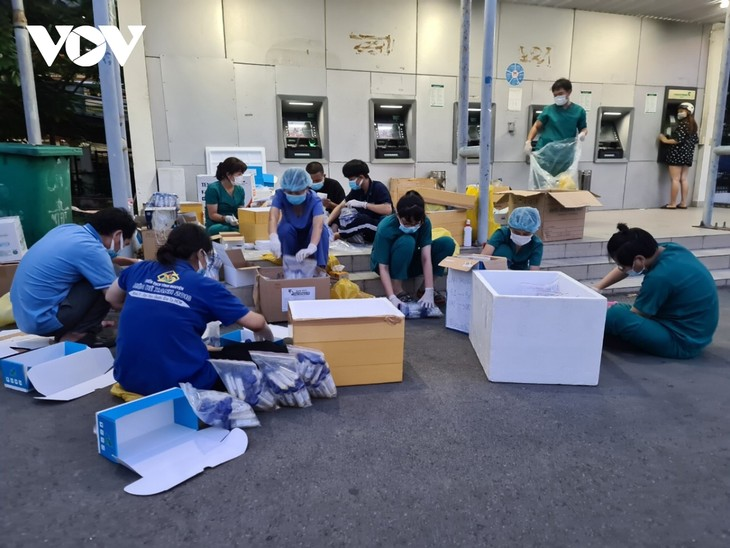 Medical students volunteer to join Covid-19 frontline - ảnh 1