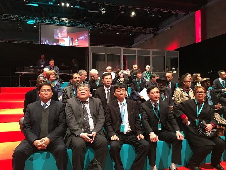 越南共产党代表团出席法国共产党第三十七次大会 - ảnh 1