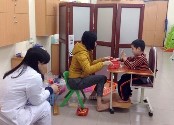 近1000人参加越南提高对自闭症认识日 - ảnh 1