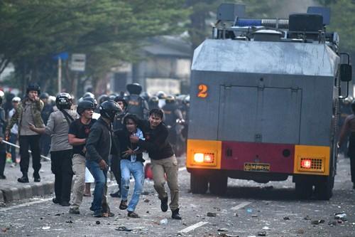 抗议印度尼西亚总统选举结果的示威游行导致多人伤亡 - ảnh 1
