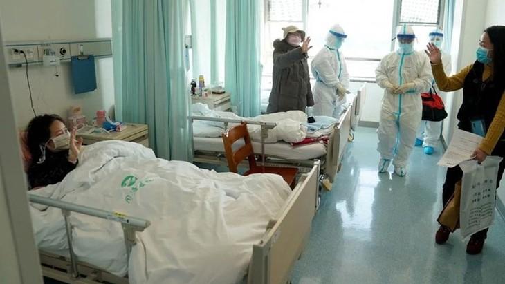 新冠肺炎疫情:全世界有近59万5千例新冠肺炎确诊病例 - ảnh 1