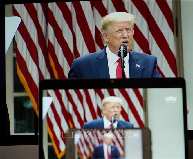 美国总统特朗普举行有关中美关系的新闻发布会 - ảnh 1