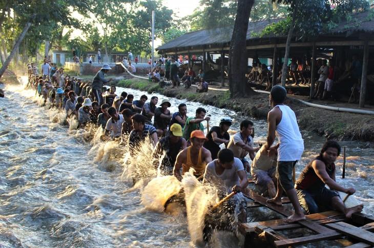 高棉族同胞与2020年赛龙舟 - ảnh 1
