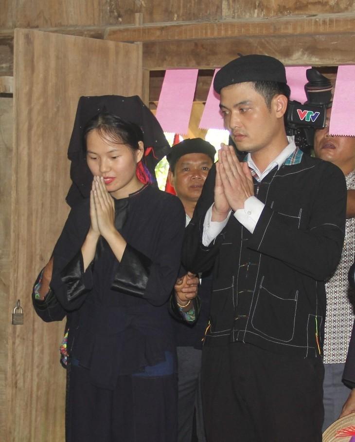越南老街省侬族同胞的婚俗 - ảnh 1