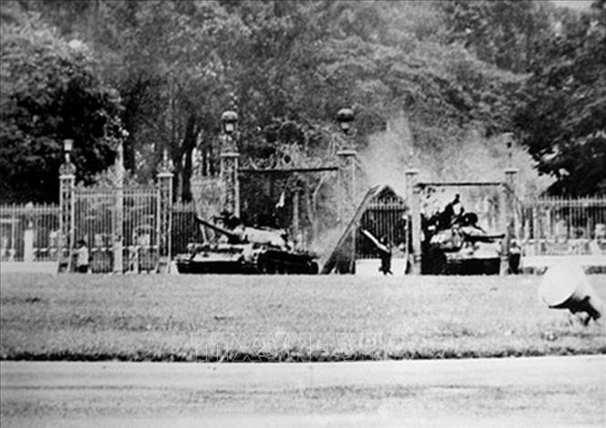 俄罗斯退伍军人对越南南方完全解放日发表感想 - ảnh 1