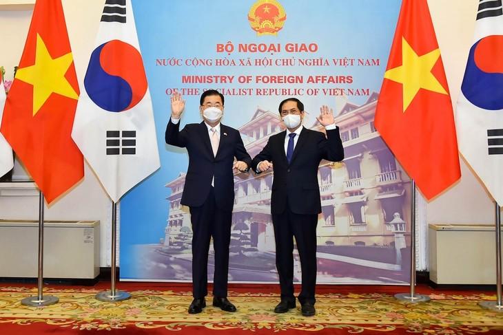 越韩重视维护和发展战略合作伙伴关系 - ảnh 1