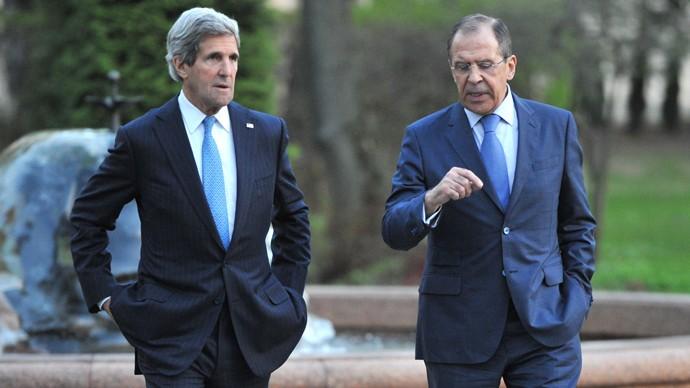 รัฐมนตรีต่างประเทศสหรัฐอเมริกาและรัสเซียเจรจาทางโทรศัพท์เกี่ยวกับจุดร้อนทั่วโลก - ảnh 1