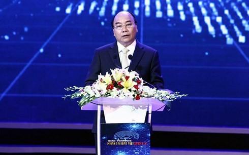 Премьер Вьетнама: премия «Талант вьетнамской земли» создала широкое движение за знаниями  - ảnh 1