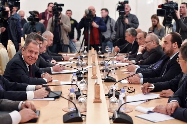 Сирийская оппозиция не примет участие в мирном диалоге в Сочи - ảnh 1