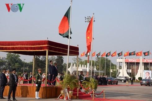 Президент Вьетнама Чан Дай Куанг с супругой начал визит в Бангладеш  - ảnh 1