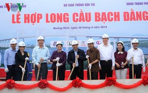 Die Parlamentspräsidentin nimmt an Zeremonie zum Bauabschluss der Brücke Bach Dang teil - ảnh 1