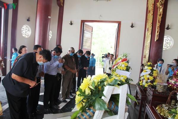 Мероприятия, приуроченные к 130-летию со дня рождения Президента Хо Ши Мина в стране и за рубежом - ảnh 1