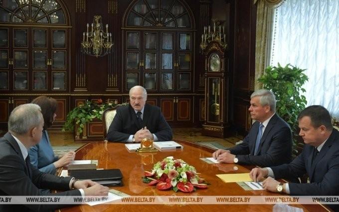 Президент Лукашенко распустил правительство Беларуси - ảnh 1