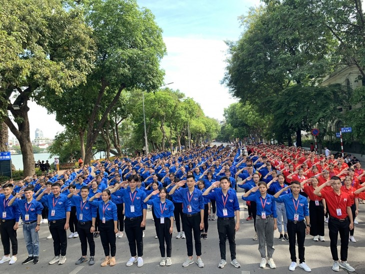 Во Вьетнаме прошли различные мероприятия в отклик на кампанию «Я люблю Ханой» - ảnh 1