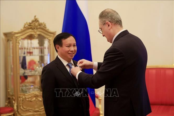 Вьетнамский посол в РФ был награжден орденом за вклад в укрепление российско-вьетнамских отношений  - ảnh 1