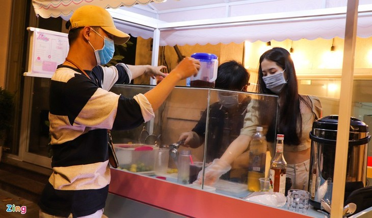Da Nang falls quiet on first night of latest social distancing order - ảnh 6