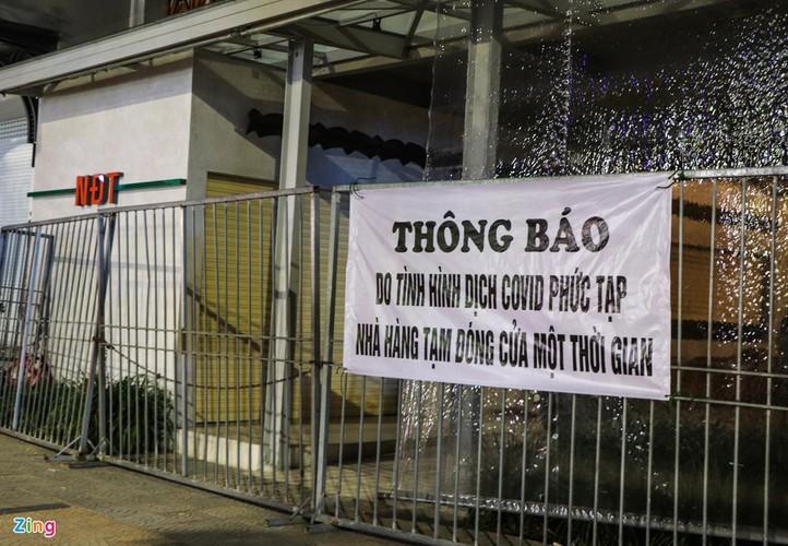 Da Nang falls quiet on first night of latest social distancing order - ảnh 7