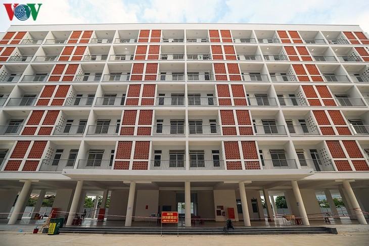 COVID-19: Inside a concentrated quarantine facility in Da Nang hotspot - ảnh 14