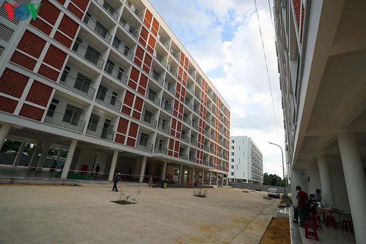 COVID-19: Inside a concentrated quarantine facility in Da Nang hotspot - ảnh 15