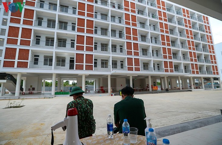COVID-19: Inside a concentrated quarantine facility in Da Nang hotspot - ảnh 16