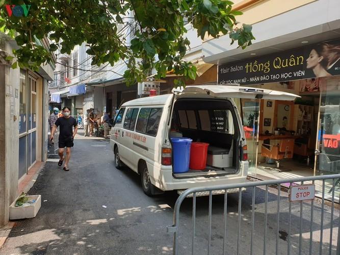 Hanoi's Nam Tu Liem district disinfected following suspected positive COVID-19 case - ảnh 2