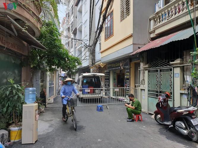 Hanoi's Nam Tu Liem district disinfected following suspected positive COVID-19 case - ảnh 3