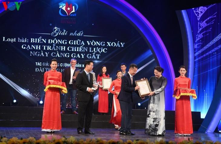 VOV enjoys big wins at National External Information Service Awards - ảnh 7