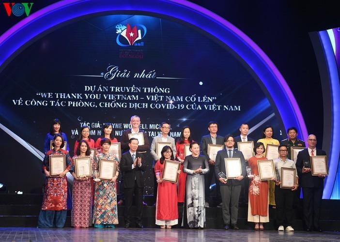 VOV enjoys big wins at National External Information Service Awards - ảnh 8