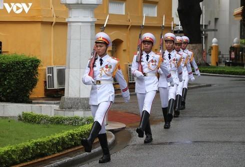 Vietnam hosts ASEAN flag-hoisting ceremony - ảnh 2