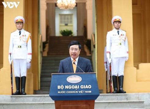 Vietnam hosts ASEAN flag-hoisting ceremony - ảnh 6