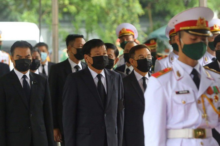 Delegations pay homage to former Party leader Le Kha Phieu - ảnh 16