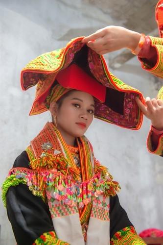 Late night weddings a Dao community staple - ảnh 2