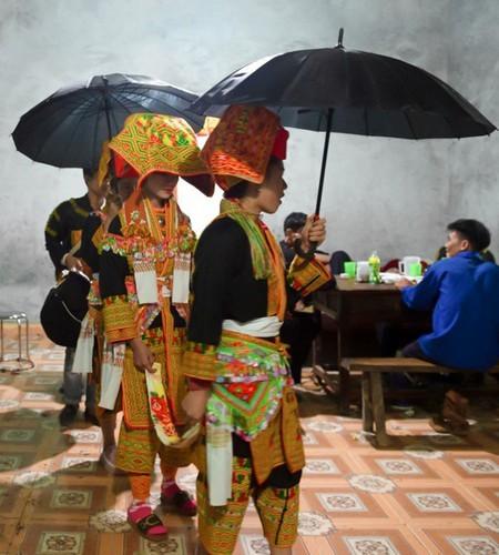 Late night weddings a Dao community staple - ảnh 3