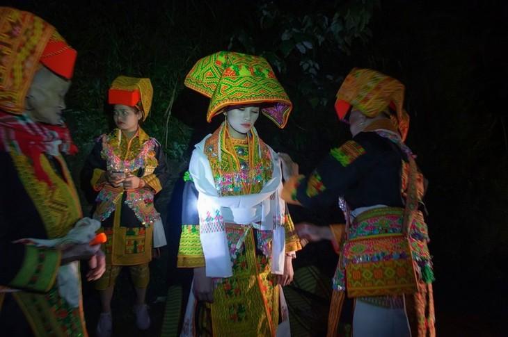 Late night weddings a Dao community staple - ảnh 4