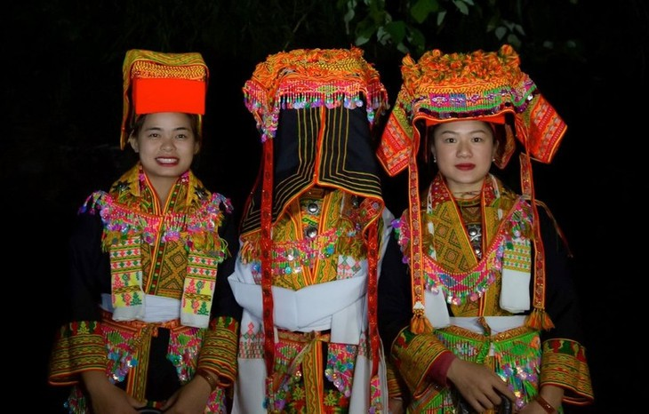 Late night weddings a Dao community staple - ảnh 6