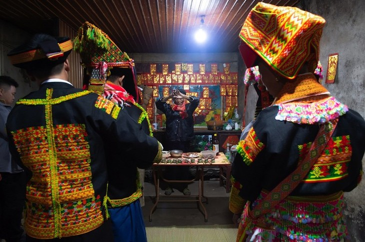 Late night weddings a Dao community staple - ảnh 8
