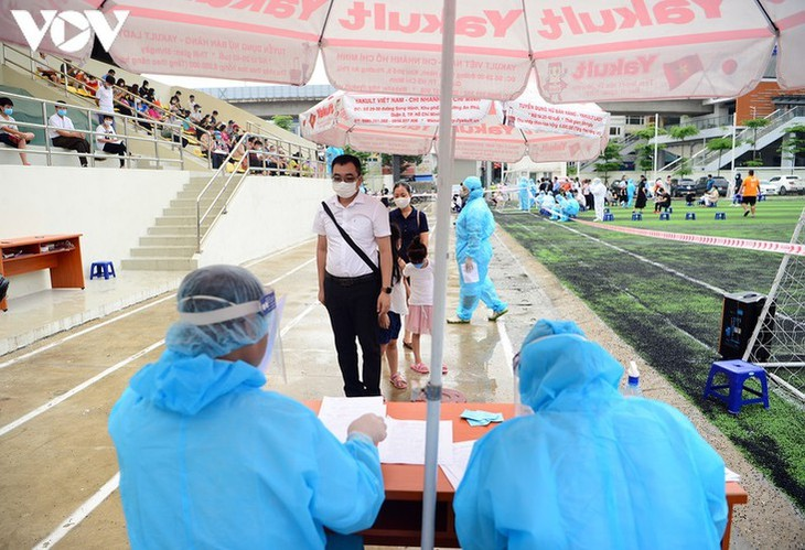 Hanoi continues to conduct RT-PCR tests for returnees from Da Nang - ảnh 4
