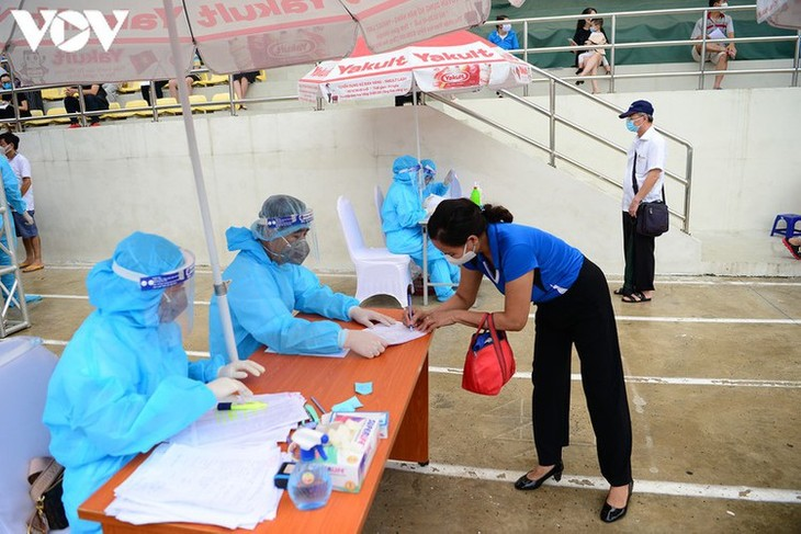 Hanoi continues to conduct RT-PCR tests for returnees from Da Nang - ảnh 5