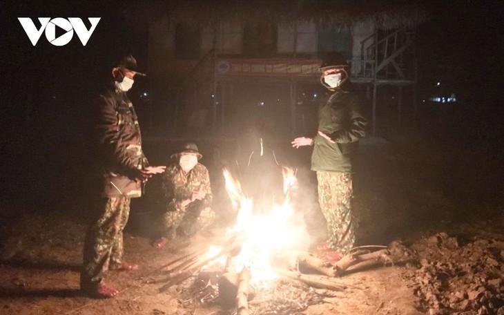 Đêm giá rét trên chốt tuần tra biên giới phòng chống dịch - ảnh 5