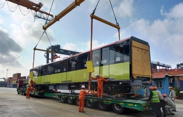 Third train of Hanoi metro line arrives in Vietnam - ảnh 3