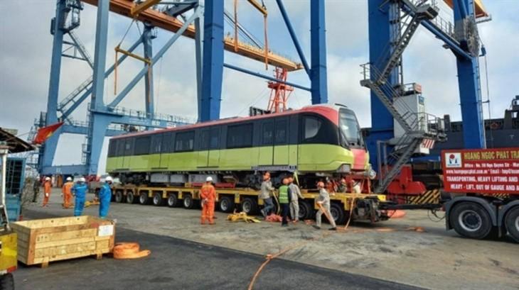Third train of Hanoi metro line arrives in Vietnam - ảnh 4