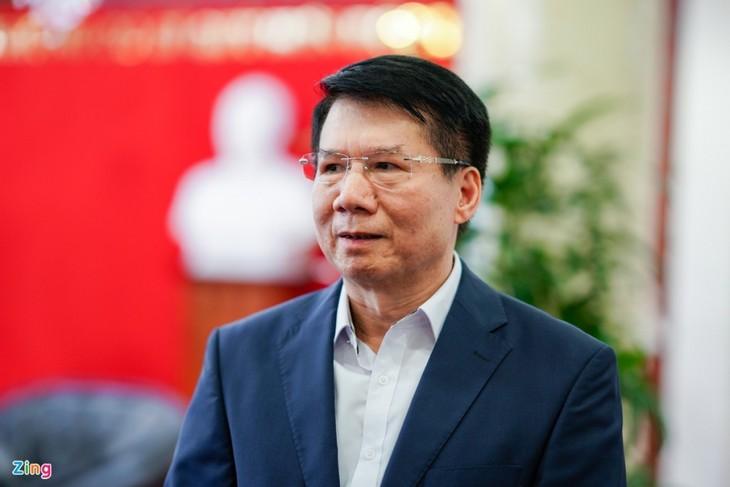 Cận cảnh lô vaccine COVID-19 đầu tiên về Việt Nam - ảnh 3