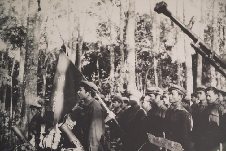 50 năm chiến thắng Đường 9- Nam Lào qua những bức ảnh lịch sử - ảnh 1