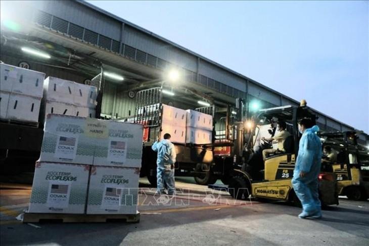 1.5 million doses of Moderna vaccines arrive in Vietnam - ảnh 5