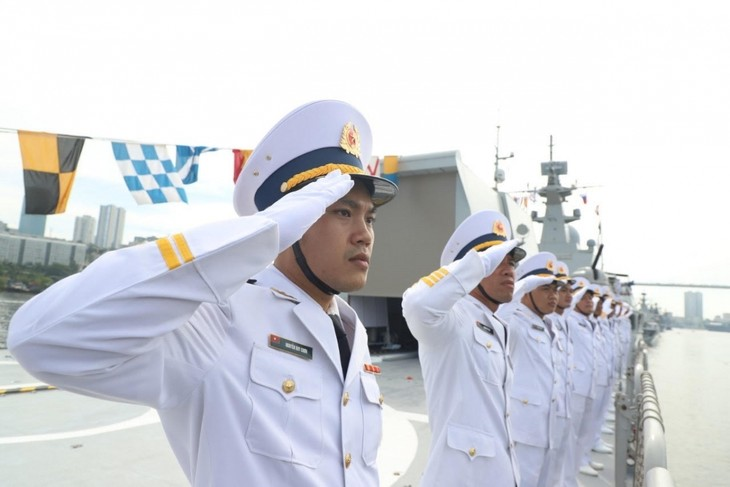 Vietnamese Navy Gepard frigates join military parade in Russia - ảnh 6