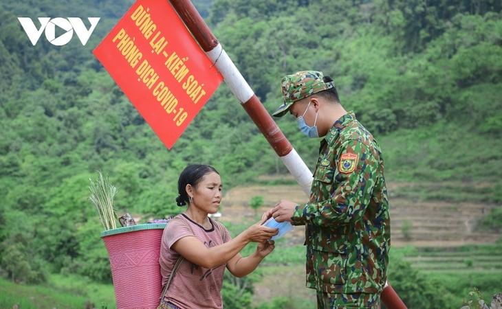Biên phòng Điện Biên vừa chống dịch vừa giữ vững biên cương - ảnh 13